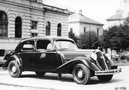 Škoda Superb - type 902 photo